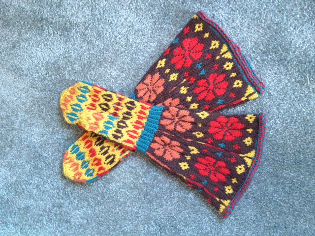 Scandinavian Mittens – Magnificent Mittens and Socks by Anna Zilboorg